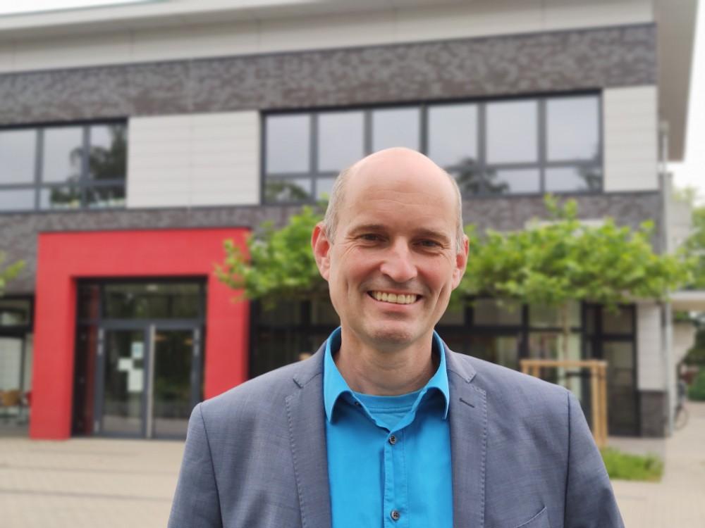 Neuer Hausherr an der Oberschule: Stefan Fiebig ist der neue Schulleiter der Oberschule Dinklage mit gymnasialem Zweig. Foto: Röttgers