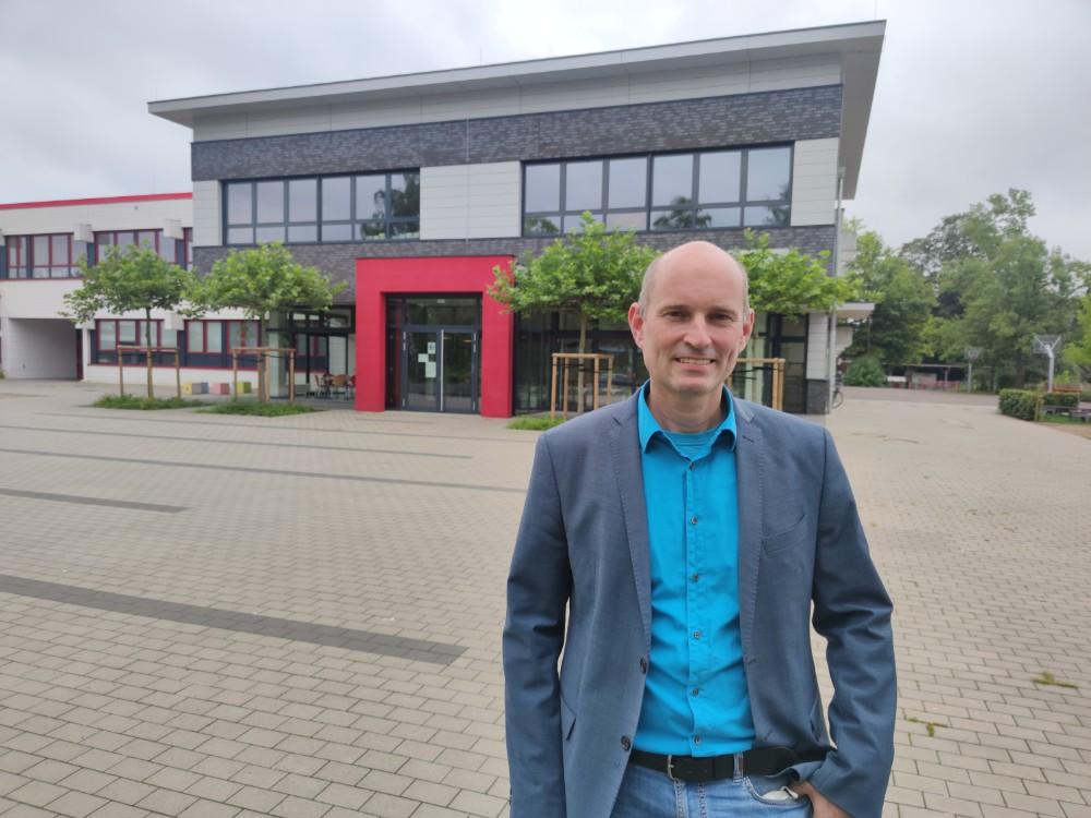 Neuer Hausherr an der Oberschule: Stefan Fiebig ist neuer Schulleiter der Oberschule Dinklage mit gymnasialem Zweig. Foto: Röttgers